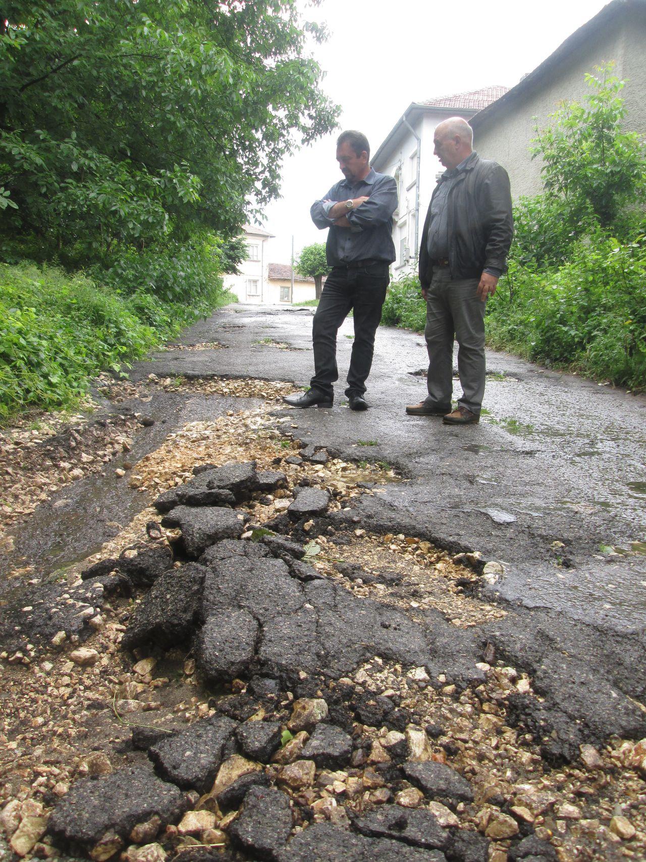 Bohot 5 - Дъждовете са отнесли улици в село Бохот