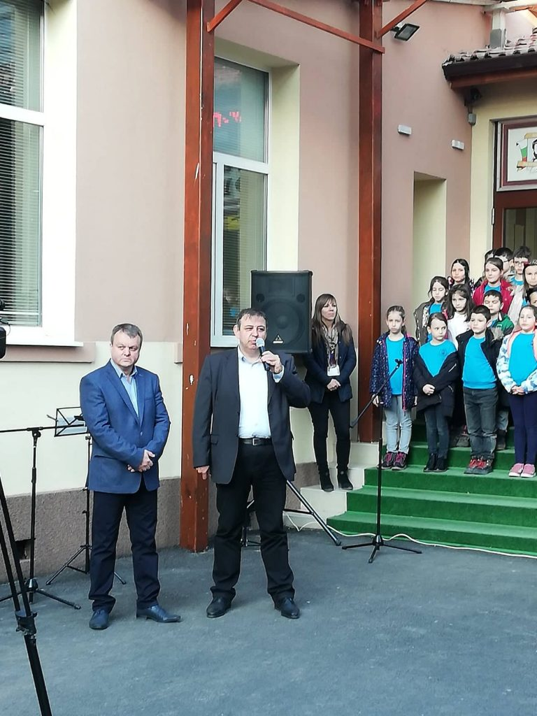 """С уникална по рода си Възрожденска библиотека се сдобиха в НУ """"Христо Ботев"""""""