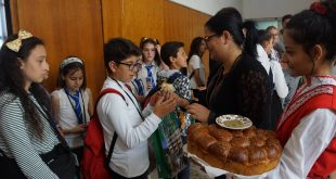 """Ученици и учители от пет държави гостуват на ОУ """"Максим Горки"""" в град Левски"""