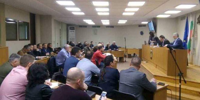 Общински съвет – Плевен заседава на 27 февруари по 32 предложения