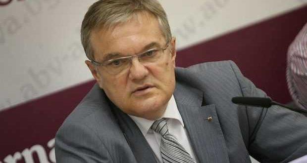 Румен Петков: Цветан Цветанов няма да участва в изборите