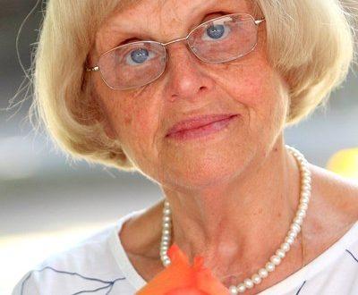 """Напусна ни Гергина Тончева – учителката, която """"возвисява"""" своите ученици"""