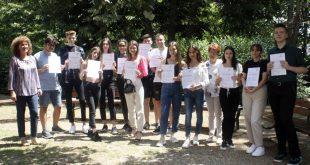Пореден випуск на Езиковата в Плевен с ДСД дипломи