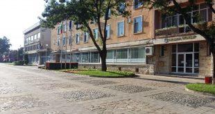 Избират строителен надзор за реконструкция на спортното игрище в град Искър