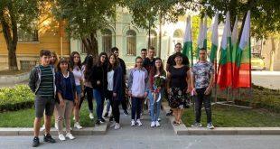 Общоградското средношколско общежитие в Плевен се включи в честванията на Деня на Независимостта