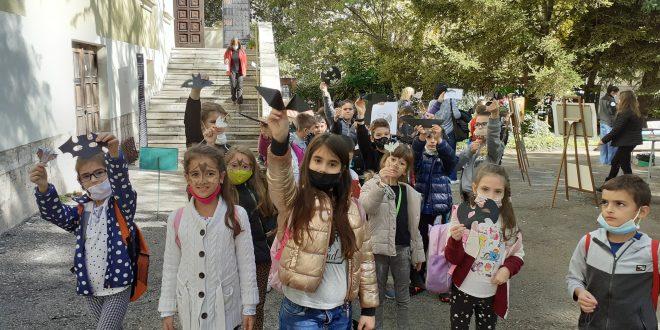 Деца учиха полезни и любопитни факти за живота на прилепите в двора на РИМ