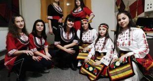 На любов към нашенската музика и танци учи Златка Чардакова младежите в ОСО – Плевен