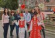 """От НУ """"Христо Ботев"""" – Плевен, изненадаха с мартеници председателя на Общинския съвет и администрация"""