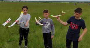 Авиомоделистите от Левски с престижни награди на национално състезание.