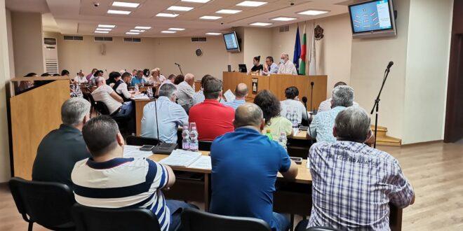 Комисията за почетните граждани на Плевен се събира на 16 август по предложението за удостояване със званието на олимпийските шампионки Ивет Горанова и Стойка Кръстева и техните треньори