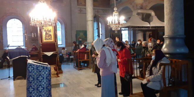 """Плевенската църква """"Св. Параскева"""" посрещна храмовия си празник и ръкоположи дякон Емилиян от Червен бряг"""
